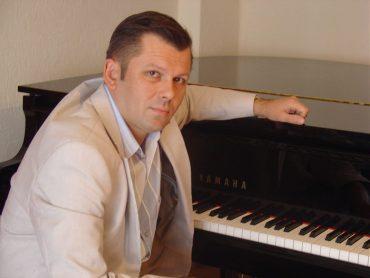 vitaly klassik und jazz pianist