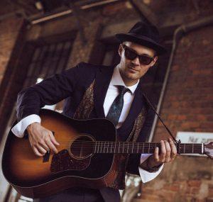 Sänger und Gitarrist Marvin